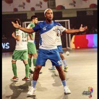 Ronaldinho se lució en su debut en el Premier Futsal Foto:Twitter Premier Futsal