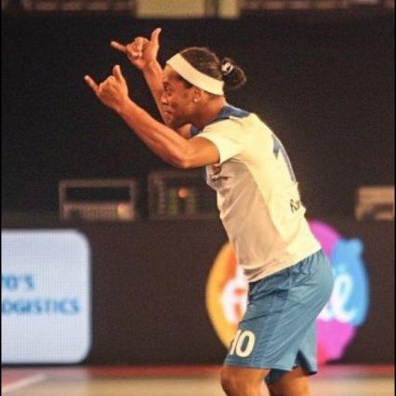 El equipo de Ronaldinho venció por 7 a 2 al de Paul Scholes Foto:Twitter Premier Futsal