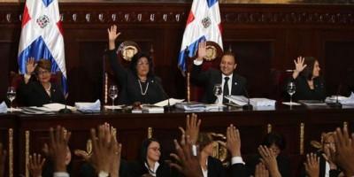 Asamblea Nacional proclama a Medina y Cedeño como presidente y vicepresidenta