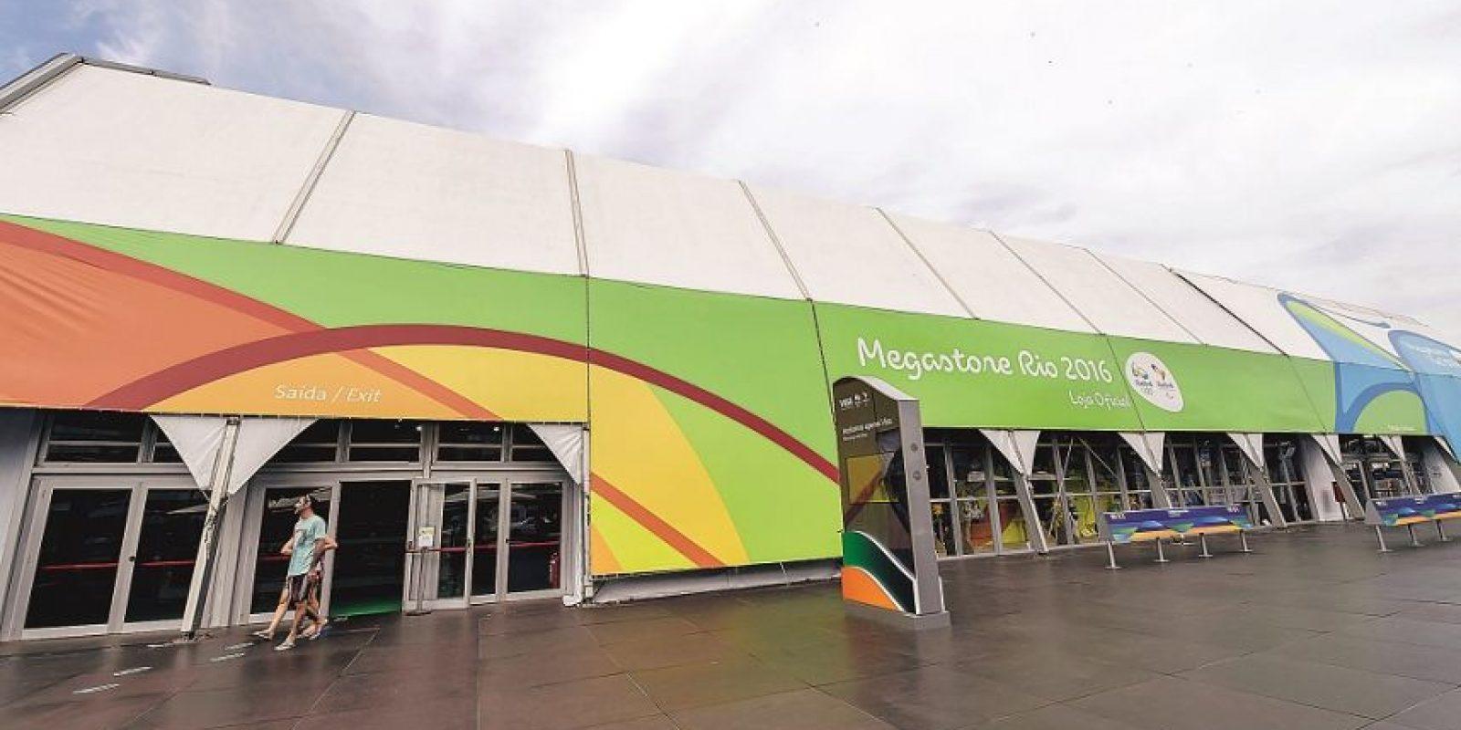 Con más de 3000 productos con licencia, la tienda oficial de los Juegos se montó en las playas de Copacabana Foto:Fuente externa