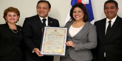 Margarita Cedeño también recibe certificado de vicepresidenta