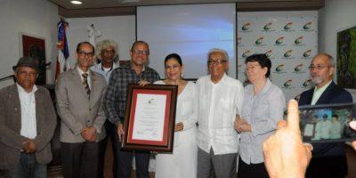 Cultura reconoce a Maridalia Hernández por sus 35 años de carrera