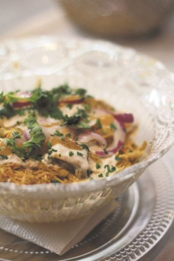 Bombai Bowl. Pollo Thai con arroz aromatizado, salsa de yogur, chutney de mango y cilantro.  Foto:Fuente Externa