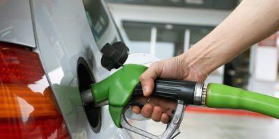 Gasolinas bajan de precio; el gas natural se mantiene invariable