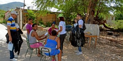 Energía y Minas visita 10,000 casas en Bahoruco concienciando contra el Zika