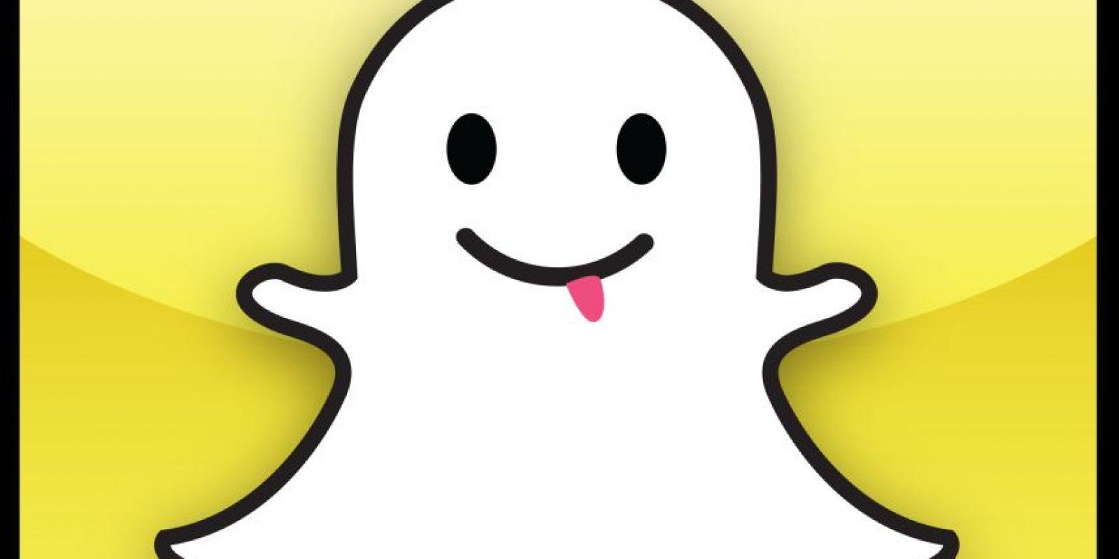 """Snapchat. Parecería que siempre hemos vivido con él y peor aún, que ya no sabemos qué hacer si no está, Snapchat quiere ganar el trono de la aplicación reina del verano. Si no la usas, te invitamos a probarla esta tamporada. Con ella graba instantes únicos de tu travesía y compártelos con tus amigos. Eso sí, recuerda que tus """"snaps"""" sólo serán visibles por 10 segundos como máximo y luego desaparecerán. Foto:Fuente externa"""
