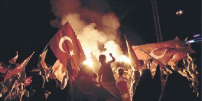 """Reacción de Turquía al intento de golpe pone los DD.HH. """"en peligro"""""""