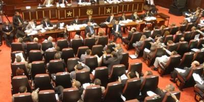 Senado envía Código Penal a comisión