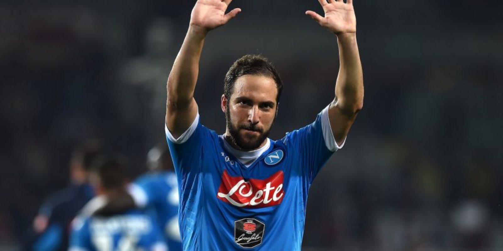 Pipita marcó 71 goles por Serie A en las tres temporadas que estuvo en Napoli. Además, marcó tres goles en la Copa de Italia y dos tantos en la Supercopa que le ganaron a Juventus en 2014/2015 Foto:Getty Images