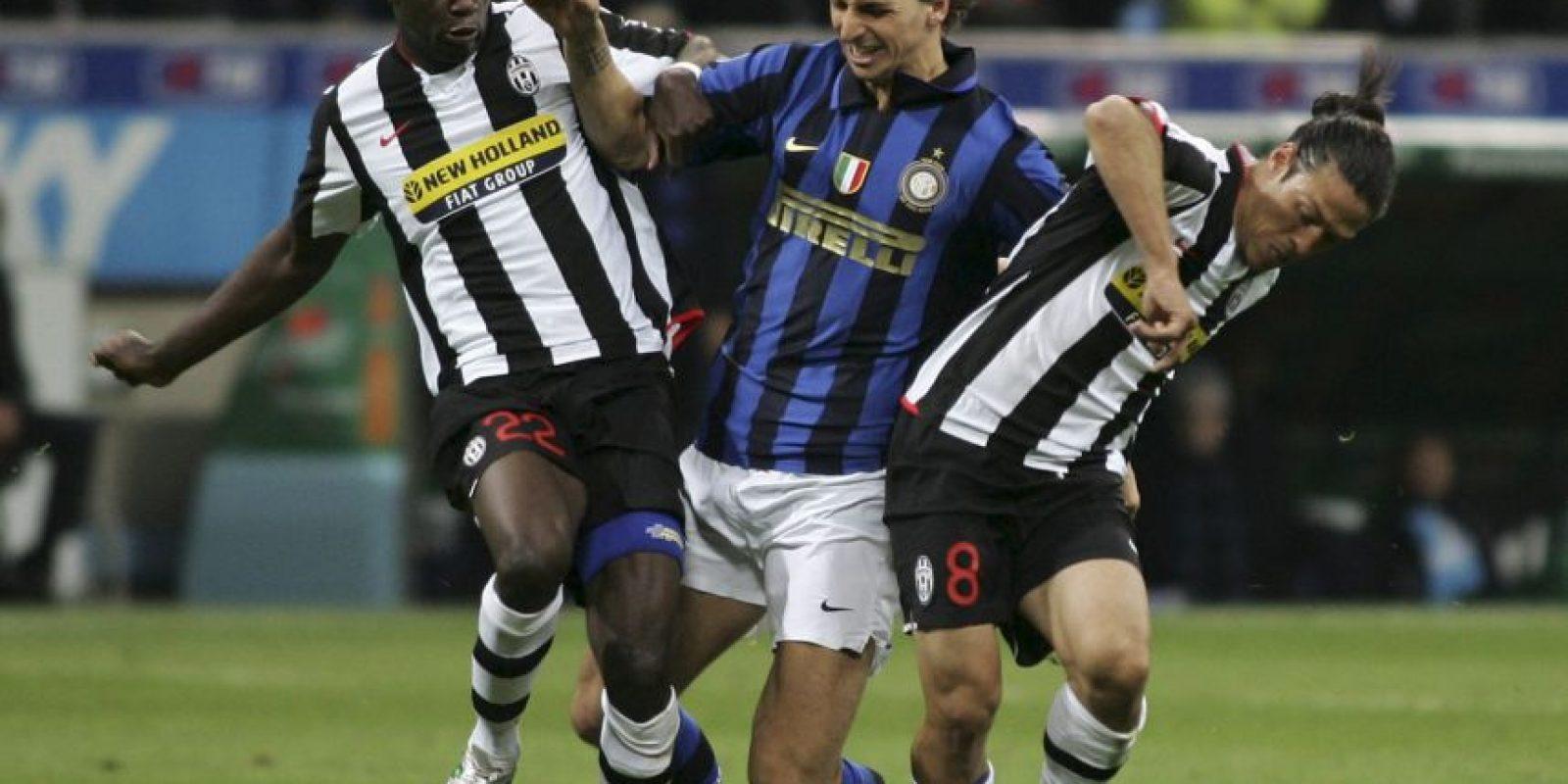 Dos años más tarde, en 2006, Inter de Milán se quedó con su carta y pagó 24,8 millones de euros Foto:Getty Images