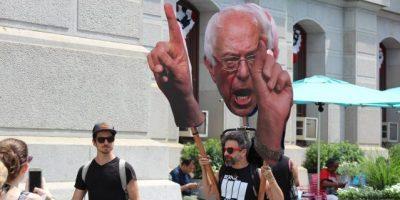 Seguidores de Sanders no pierden la esperanza
