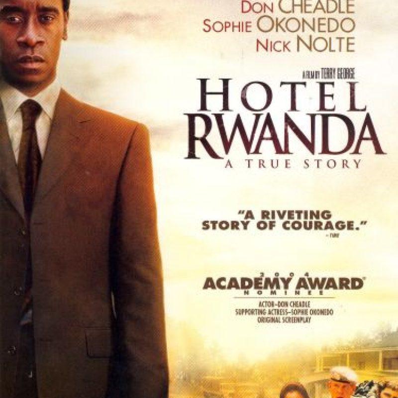 5- Hotel Rwada: ¡Una historia real! Se ambienta en la masacre civil ocurrida en 1994 en Ruanda y en las experiencias que un grupo de personas vivió durante el genocidio de Ruanda. Se compromete consigo mismo para proteger a su mujer tutsi y a sus hijos. Este es el padre que protege a los suyos, más allá de su vida. Que demuestra con hechos lo que significan para él. Foto:Fuente externa
