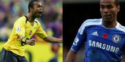 Otro ejemplo de los jugadores que cambiaron el Arsenal por Chelsea es Ashley Cole, pero esta vez fue de manera directa. Luego de realizar toda su carrera en Arsenal y comenzar en las juveniles en 1997, el 2006 tomó una drástica decisión y fichó por Chelsea, club rival de la ciudad Foto:Getty Images