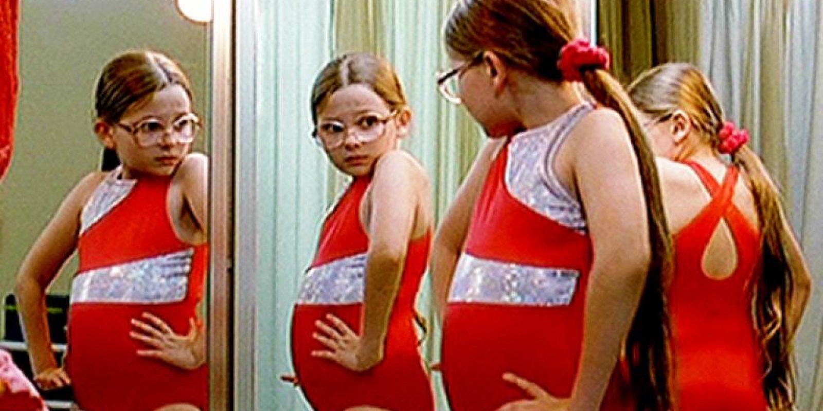 Esta carismática niña participará en un concurso de belleza y para ello, toda su familia disfuncional viaja con ella. Foto:vía Fox Searchlight