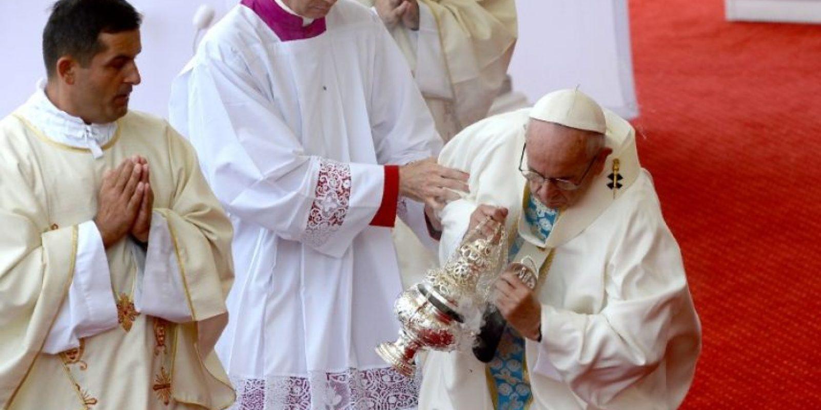 El Papa Francisco sufrió una caída en Polonia Foto:AFP