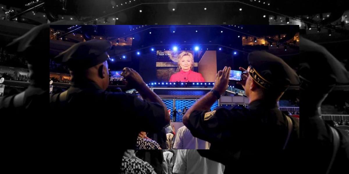 Emoción al por mayor en la gran  noche de Hillary