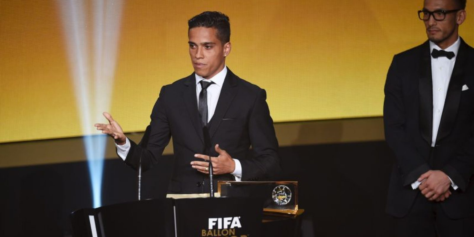 Sin embargo, a seis meses de ese logro, se retiró del fútbol a sus 27 años y ahora se transformará en un youtuber gamer Foto:Getty Images