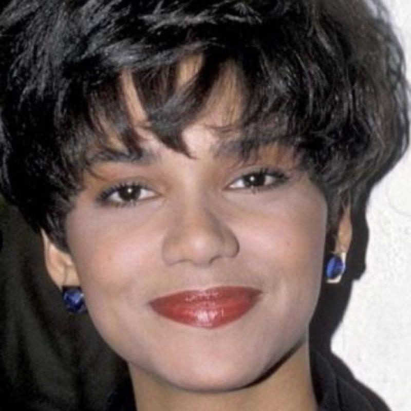 Halle Berry era linda, pero el maquillaje no la favorecía. Foto:vía Getty Images