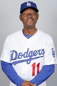 Manuel, José y Andy Mota. Manuel Mota es parte de la gran historia del béisbol dominicano: jugó 20 temporadas en las Grandes Ligas y es el coach con más tiempo en la historia de los Dodgers de Los Ángeles, donde ha desempeñado esa función durante 32 años consecutivos. En el país es un ícono de los Tigres del Licey, con quienes actuó como jugador y dirigente. Sus hijos José y Andy Mota también estuvieron en el béisbol de liga grande.