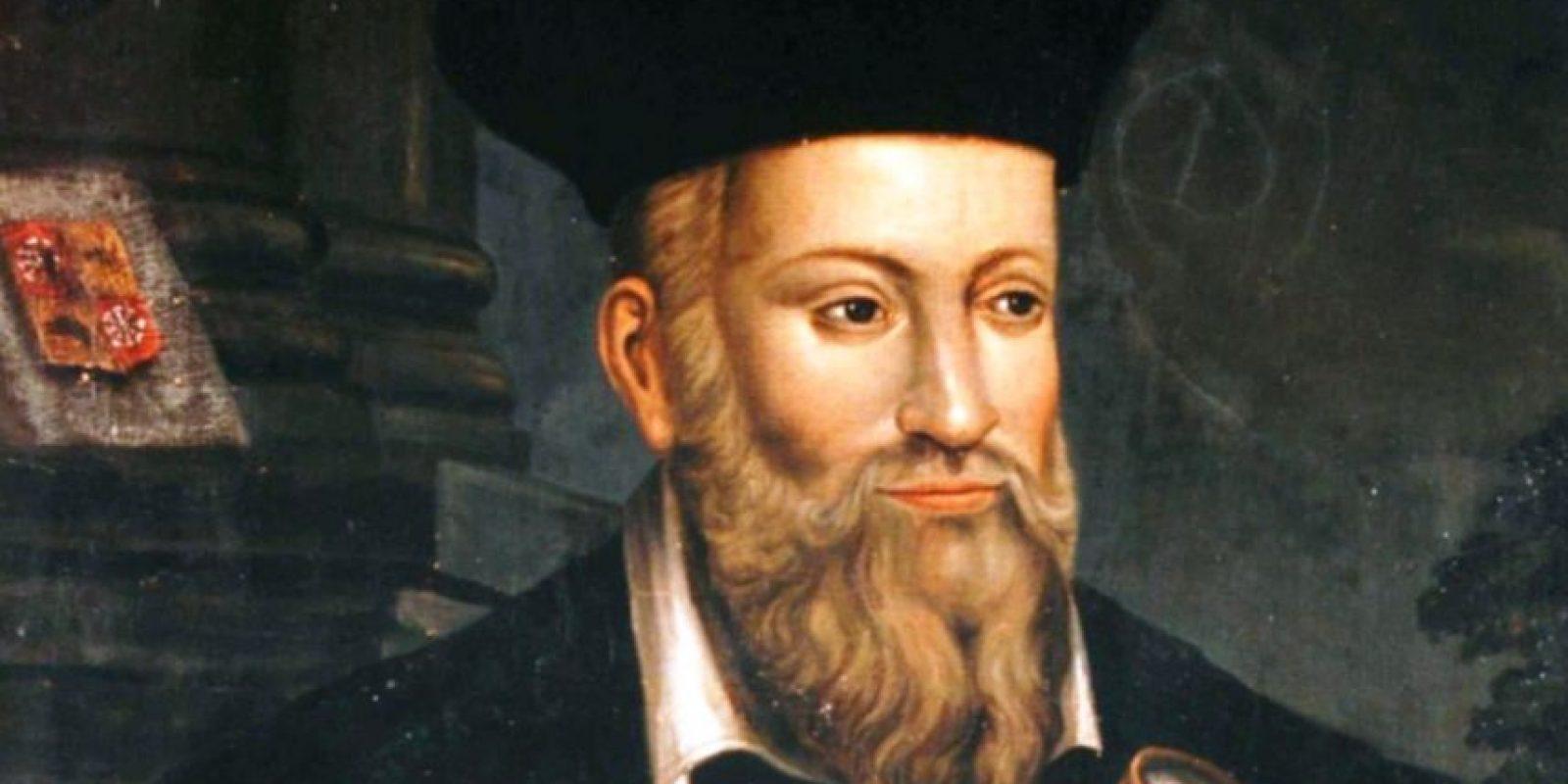 También las profecías de Nostradamus y otros supuestos videntes se han acomodado para ver fatalidad. Foto:vía Wikipedia