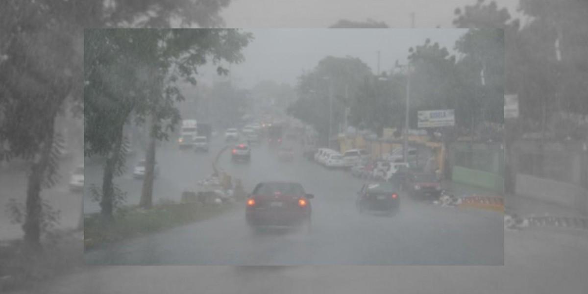 COE pone en alerta verde siete provincias por lluvias causada por onda tropical