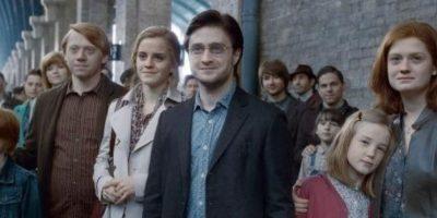 """Esta es la última escena de """"Harry Potter y las Reliquias de la Muerte"""", cuando ya los protagonistas, padres de familia, despiden a sus hijos. Foto:Warner Brothers"""