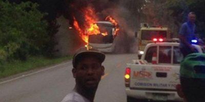 Al menos seis muertos y 22 heridos tras incendio de autobús en Nagua