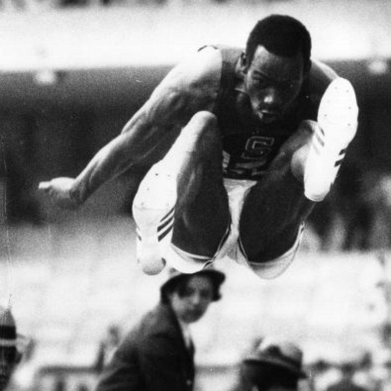 Bob Beamon rompió el récord de salto de longitud en los JJ.OO. 1968 en México. Foto:Getty