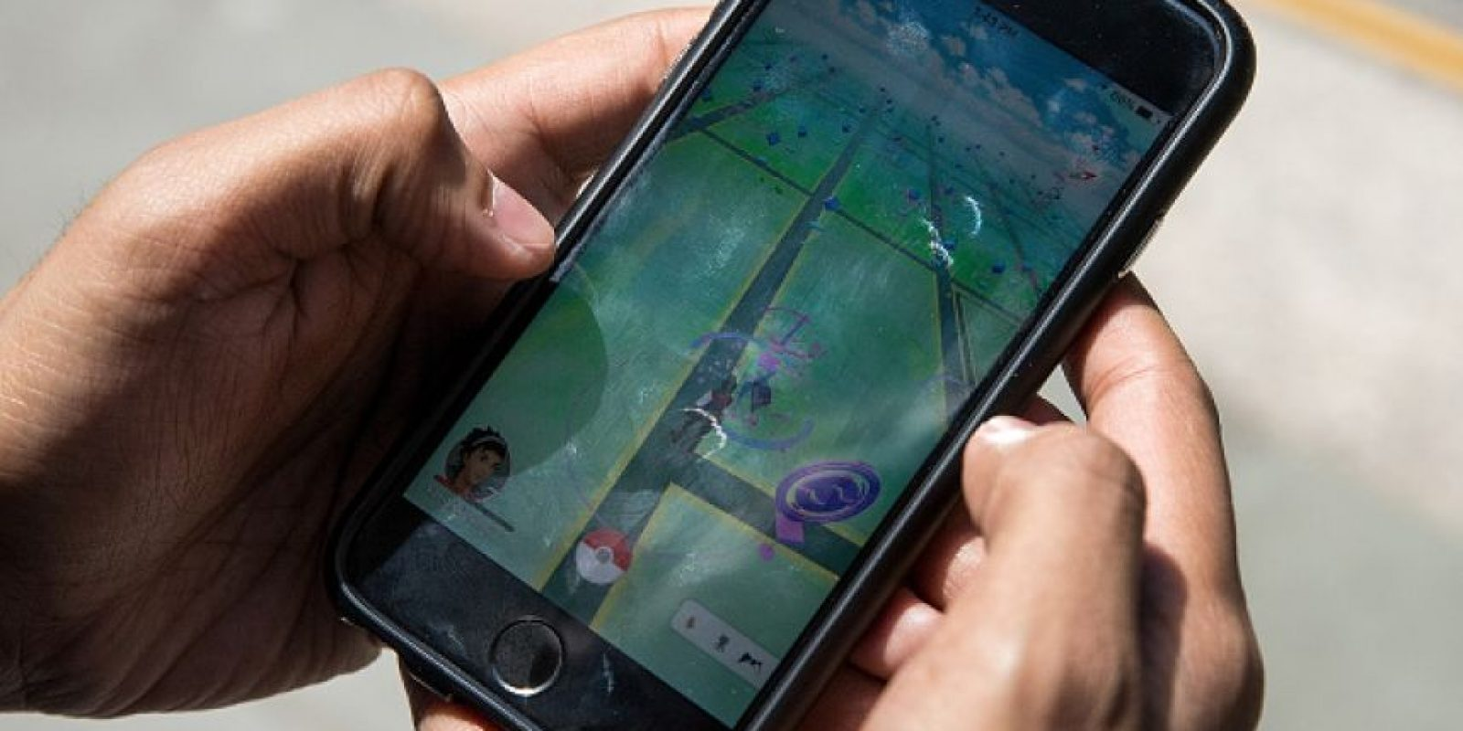 Esto surge días después de un informe que alertaba los riesgos de Pokémon Go Foto:Getty Images