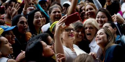 Venezuela: Hay que trabajar 4 días para comprar unas galletas