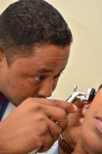 Para curar la otitis es necesario visitar un otorrinolaringólogo. Foto:FUENTE EXTERNA