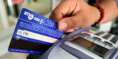 DICAT apresa nacional colombiano que pretendía pagar con tarjeta de crédito clonada