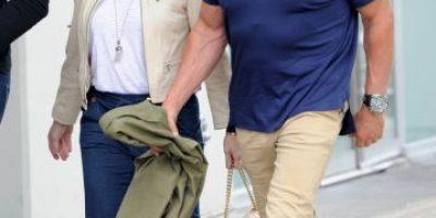 Arnold Schwarzenegger captado usando prenda íntima de mujer
