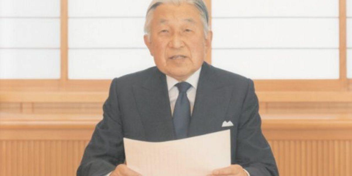 """Emperador de Japón admite """"dificultad"""" para ejercer su cargo"""
