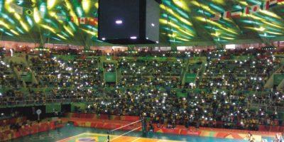 Entretenimiento. Dj, luces y la interacción con el público en las tribunas. Foto:Metro Rio