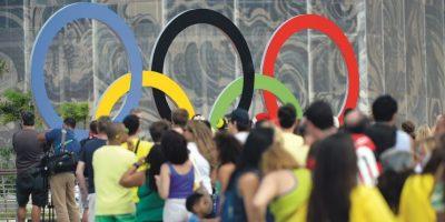 Fila para selfie.Arcos cerca del estadio acuático son éxito con aglomeración. Foto:Metro Rio