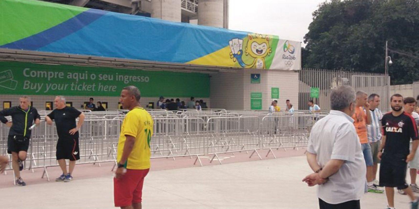 Reventa. Con libre acción en el estadio antes de Argentina vs. Argelia. Foto:Metro Rio