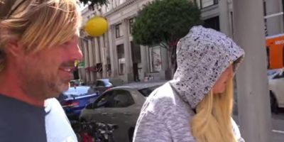 Aquí cuando encontraron a su madre. Foto:YouTube/PrankNation