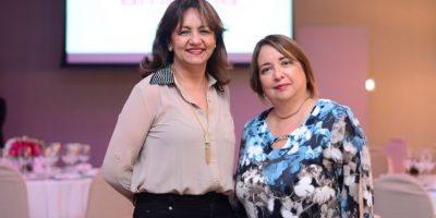 Amadita ofrece charla a médicos con expositor internacional