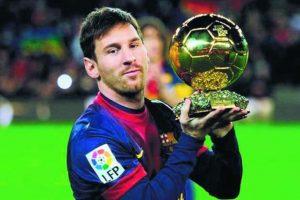 """10- Lionel Messi. Es el único futbolista que ha conquistado en cinco ocasiones el Balón de Oro que otorga la FIFA al mejor jugador del mundo en un año, y el primero que conquista tres Botas de Oro, como el mejor goleador de las ligas europeas. El zurdo ha ganado ocho títulos de la Liga Española, cuatro de la Liga de Campeones de la UEFA y cuatro Copas del Rey con el F.C. Barcelona. """"La Pulga"""", además, fue elegido Mejor Jugador en el Mundial de Brasil 2014 y en la Copa América 2015. Foto:Fuente externa"""