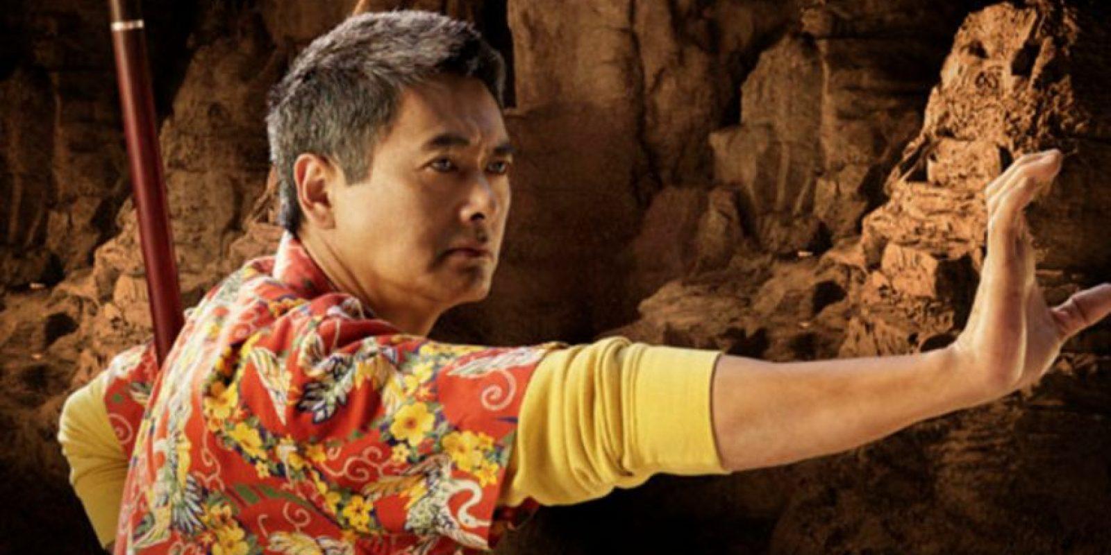 Chow Yun Fat le puso camisa hawaiana y le quitó todo el respeto. Foto:vía Fox