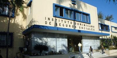 Siete gremios del IDSS firman acuerdo con gobierno para la reforma sanitaria