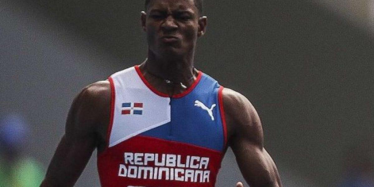 Los dominicanos Del Carmen y Martínez en semifinales de los 200 metros este martes