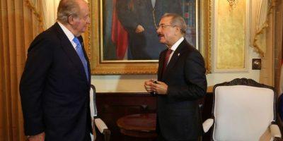 El rey Juan Carlos se reúne con Danilo Medina en vísperas de su investidura