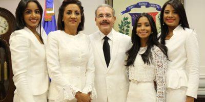 Danilo Medina y su familia Foto:Presidencia RD