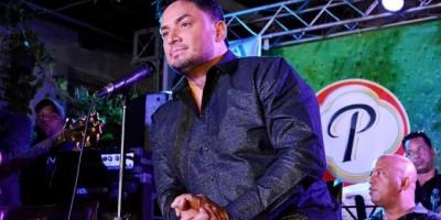 Manny Manuel presentó disco y se negó a hablar de su preferencia sexual