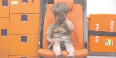 El niño rescatado de un bombardeo en Alepo que se convirtió en un símbolo del horror en Siria