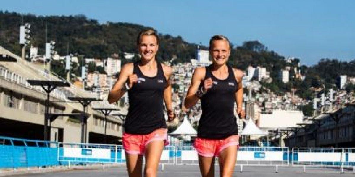 Río 2016: Gemelas alemanas causan polémica por cruzar la meta de la mano