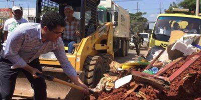 Collado encabeza operativo de limpieza por barrios de la capital
