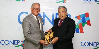 El CONEP rinde homenaje a Luis Augusto Ginebra